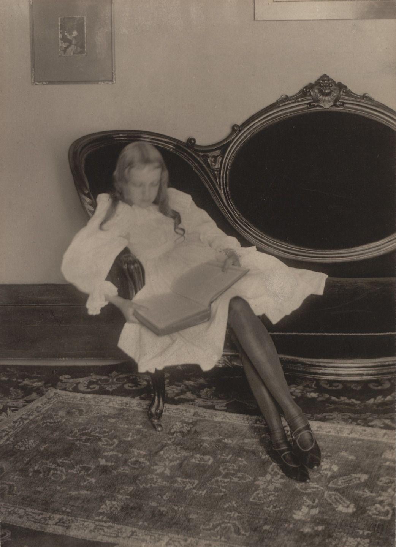 Clarence H. White, Miss Grace, c. 1898, Platinum print