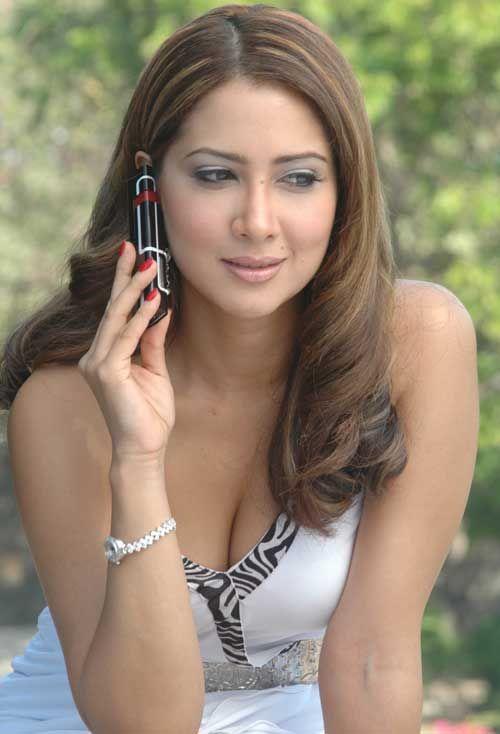 Download Actress Kim Sharma Photos   Indian actress pics, Bollywood celebrities, Indian celebrities