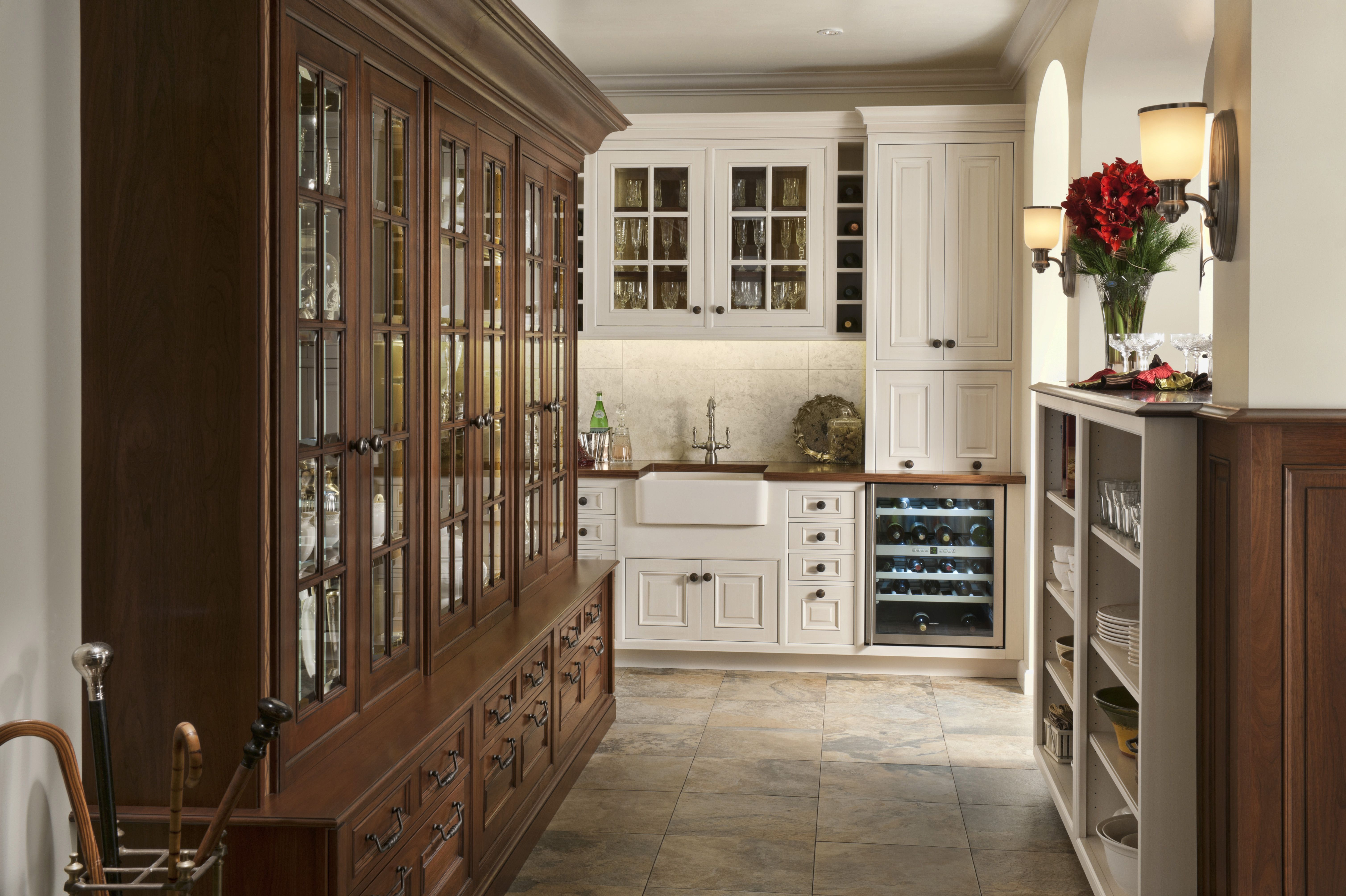 Wood Mode Wet Bar Shown In Vintage Nordic White Finish On Maple