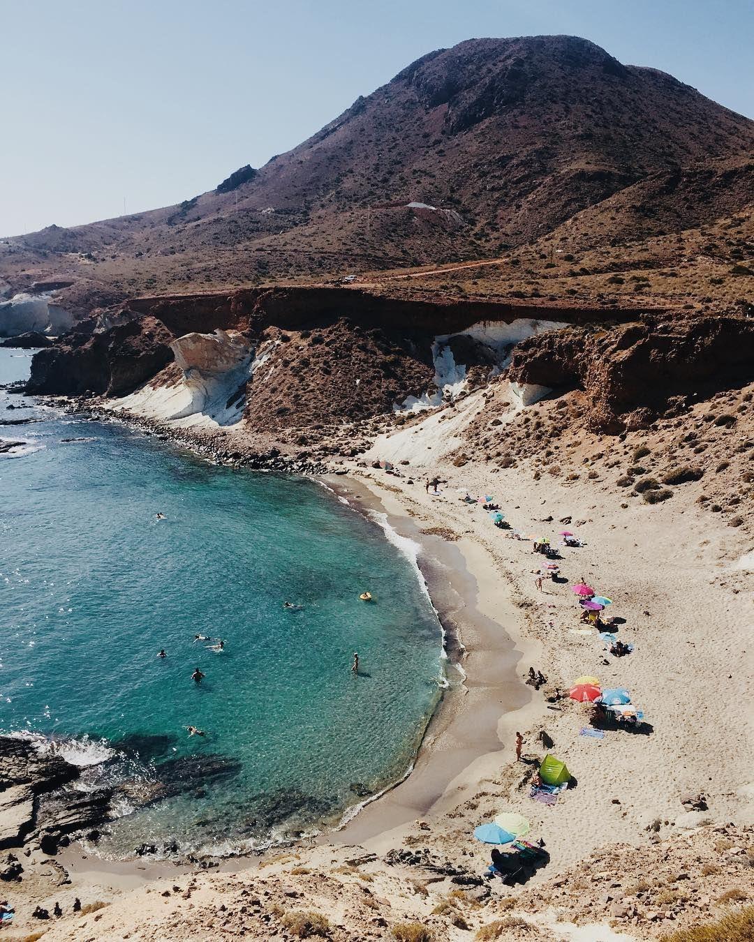 8 Playas Prácticamente Desconocidas En Cabo De Gaya Arrecife De Las Sirenas Cabo De Gata Almeria Lugares De Vacaciones