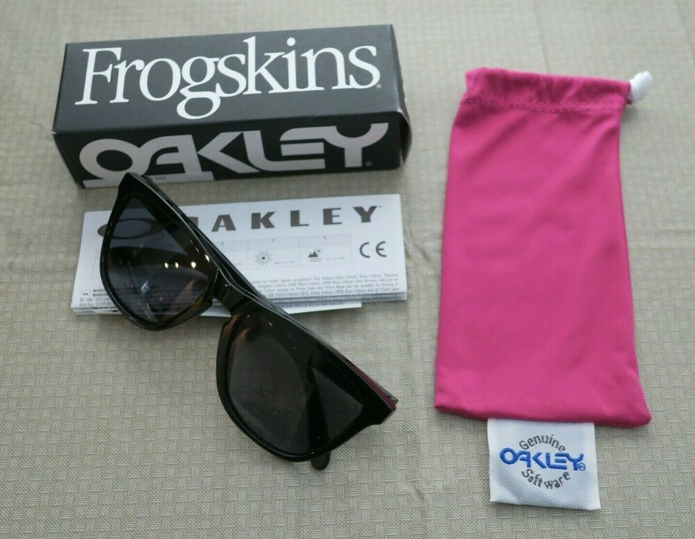 17d4160d08975 OAKLEY FROGSKINS Sunglasses 24-306 Polished Black   Grey Lens - NEW in BOX