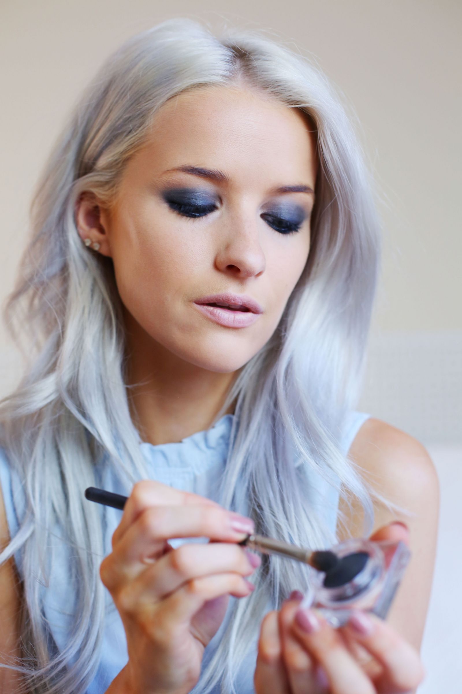 Step by Step Guide to the Burberry Runway Makeup Collection - Inthefrow