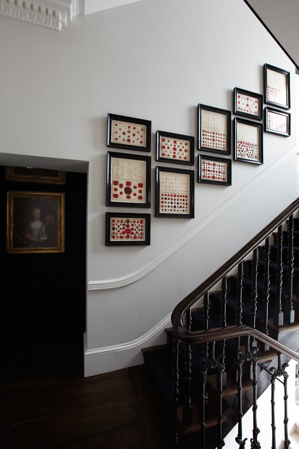 Elegance And Masculinity Embedded In Admirable Townhouse Design Townhouse Designs Gallery Wall Pembridge Gardens