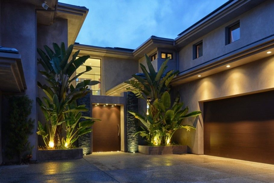 Exterior Spectacular Modern Outdoor Lighting With Gorgeous House Designs Exterior Modern House Exterior Modern Outdoor Lighting