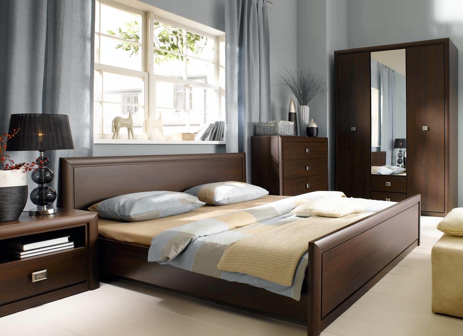 Koen Solidnyj Temnyj Cvet Sistemy Smotritsya Krasivo I Spokojno Moshnyj Korpus I Izysk Classic Bedroom Design Classic Bedroom