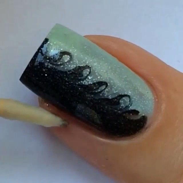 Video...Amazing and easy  by: @sveta_sanders follow my other account  @nailsarttut  for amazing videos tutorials of nails art  @nailsarttut  @nailsarttut  @nailsarttut  #Padgram