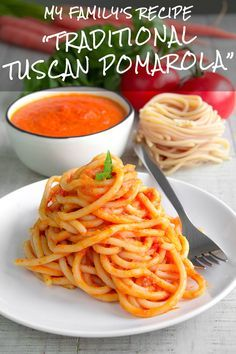 POMAROLA - Tuscan tomatoes sauce for pasta: my family recipe! - Pomarola is the recipe of my childhood. An everyday sauce tossed with pasta that had been waiting for me back from school. Simple and delicious with Tuscany roots like my moms family. Sauteed vegetables blended with fresh tomatoes and basil leaves: easy quick and tasty!