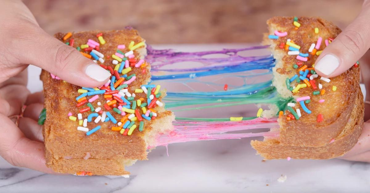 Internet kohisee tästä sateenkaarijuustovoileivästä