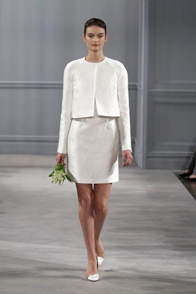 Schone Kurze Hochzeitskleider Betonen Die Beine Und Verleihen Ihnen Einen Sommerlich Leichten Look Fur Ihre Hoch Hochzeitskleid Kleider Kurze Hochzeitskleider