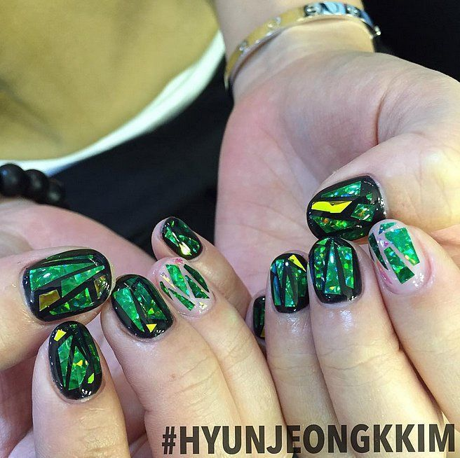 Glass Nail Art Is Still the Latest Korean Beauty Craze You Need to Try #holiday #nailart #holidaynailart #koreannailart Glass Nail Art Is Still the Latest Korean Beauty Craze You Need to Try #holiday #nailart #holidaynailart #koreannailart
