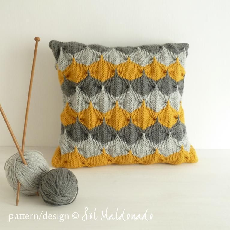 Knitting Pillow Pattern : Geometric cushion decorative knit pillow pattern