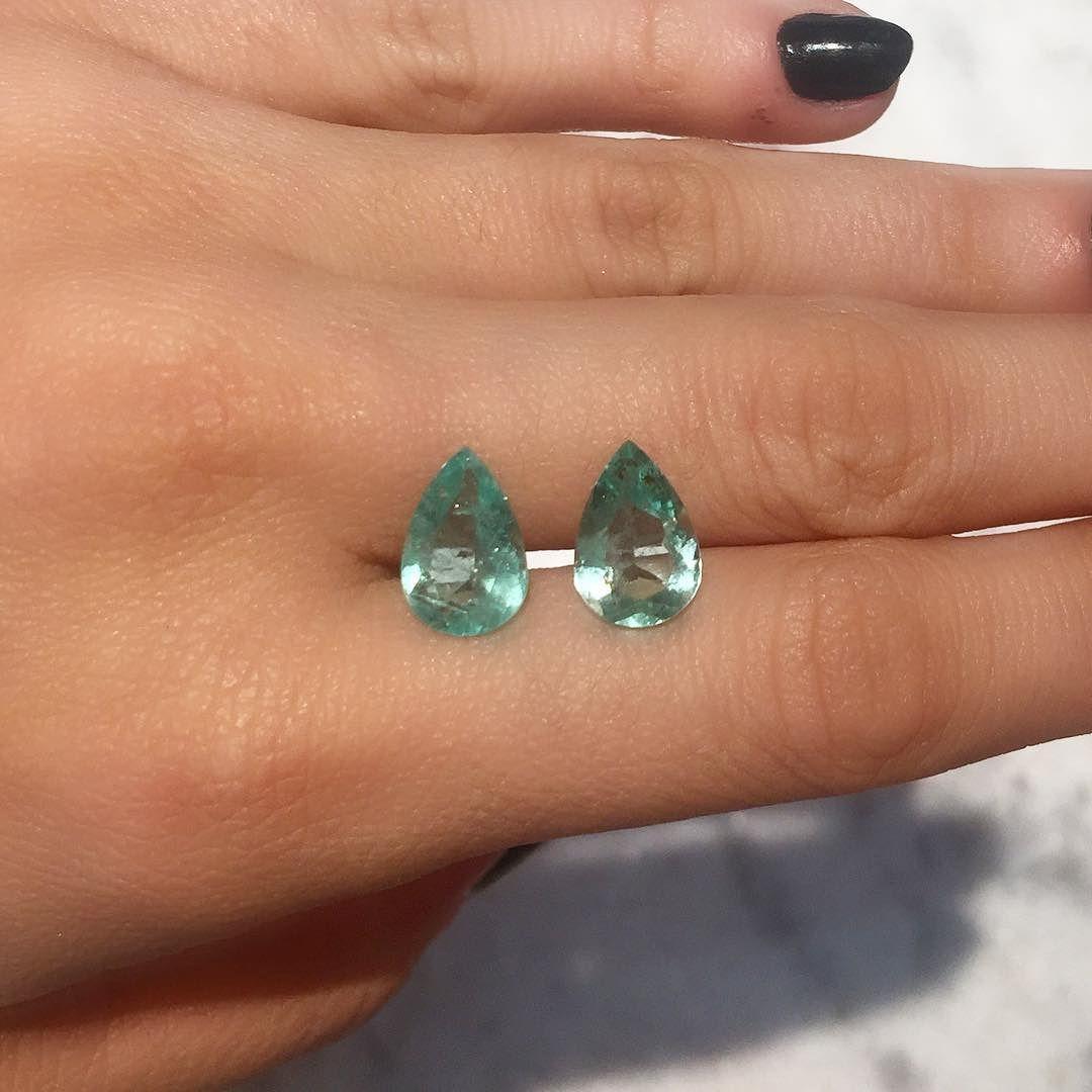 Par de gota Maravilhoso que acabou de chegar! #esmeralda #jewelry #genstonejewelry