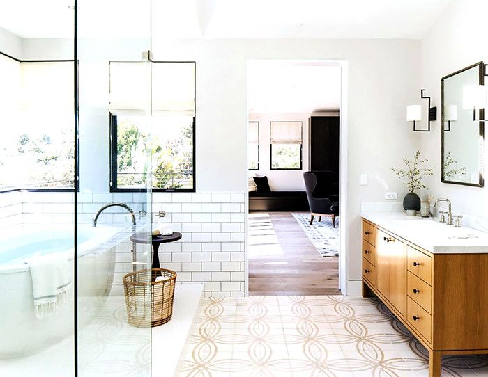 7 Subtle Mistakes That Instantly Cheapen Your Bathroom Disc