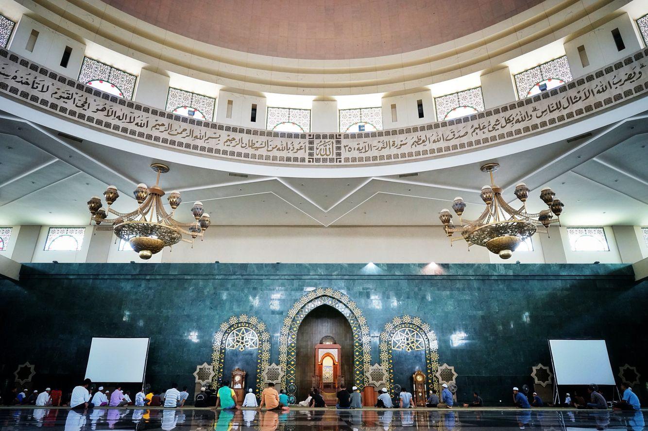 Susana kajian saat bulan famadhan di masjid Islamic Center Samarinda Kalimantan Timur.