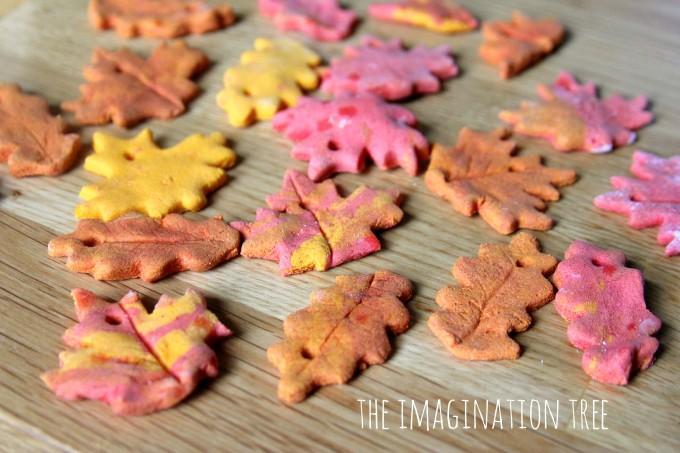 Cinnamon Salt Dough Leaf Ornaments #saltdoughornaments