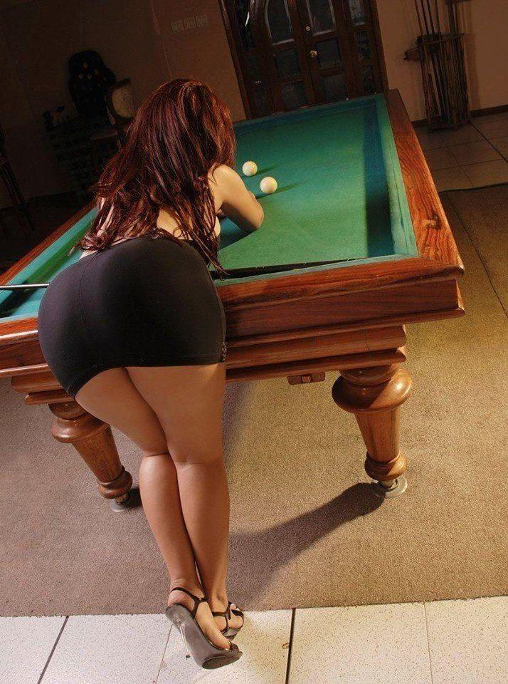 Nice milf with nice ass at pool