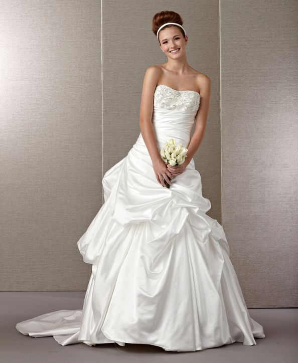 Paris Wedding Gowns: 21 Gorgeous Wedding Dresses (From $100 To $1,000!)