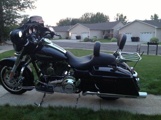 4point docking kit Harley Davidson Touring Detachable Backrest Sissy