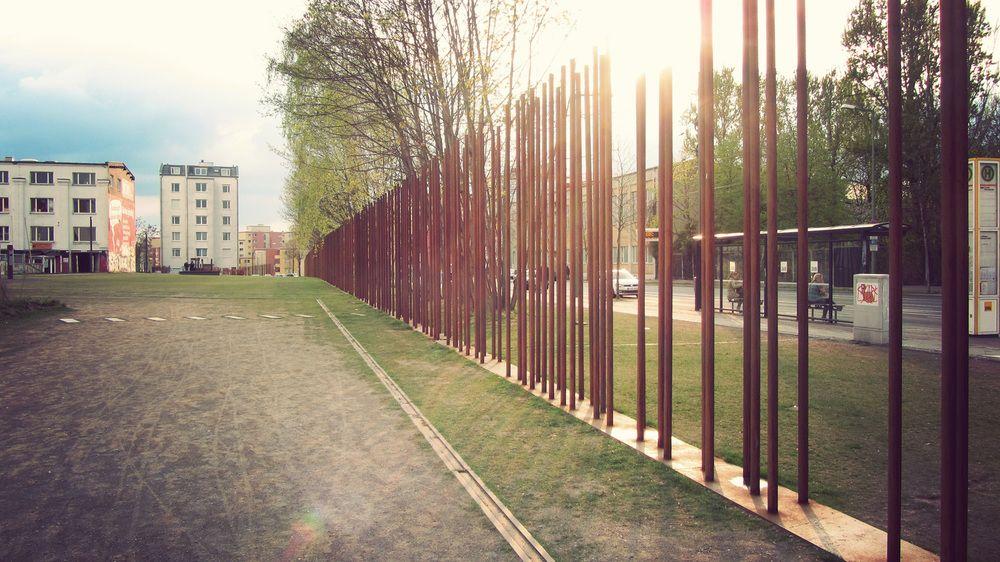 Reichstag Berlin Wall Memorial Berlin Wall Landscape Architecture Contemporary Landscape