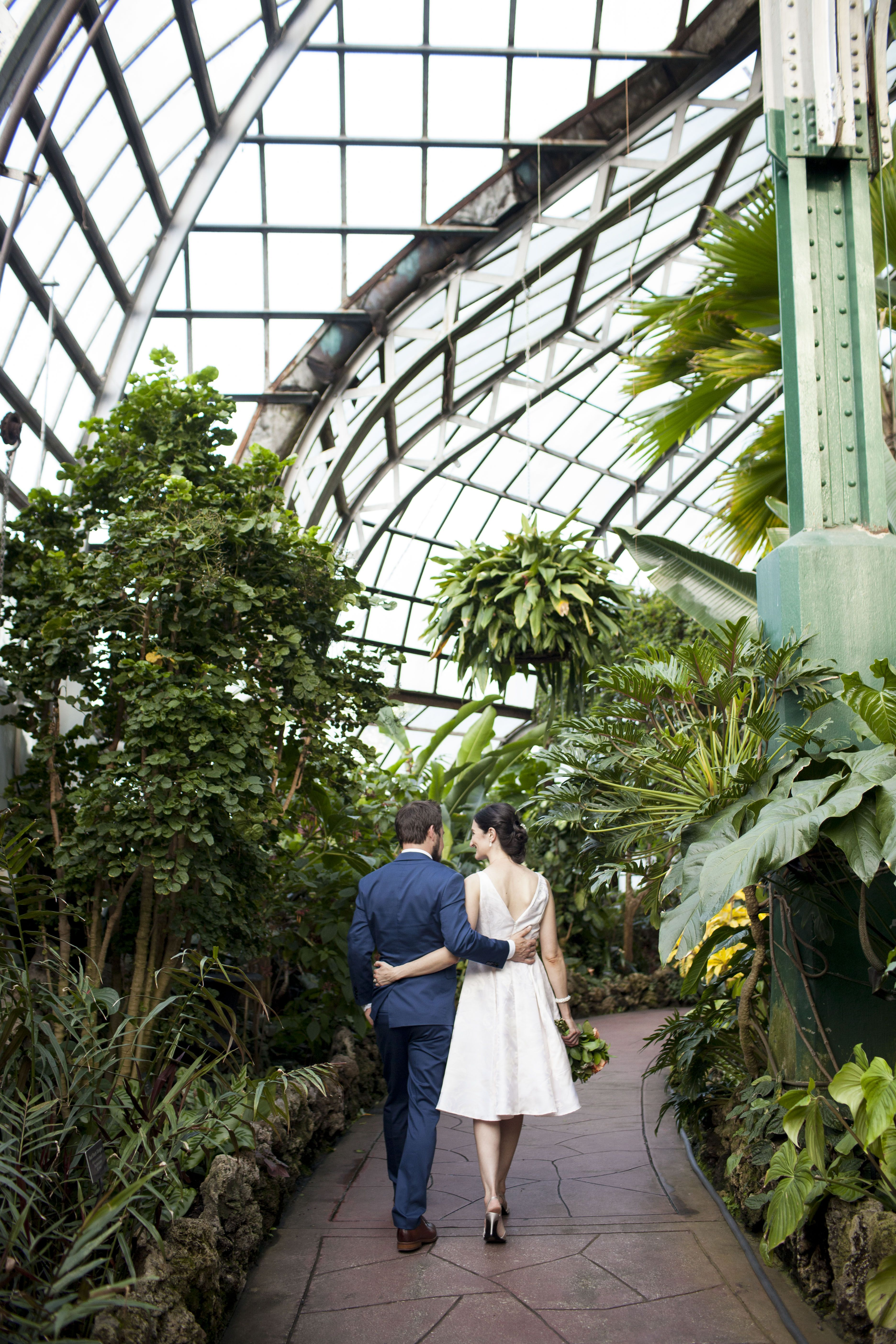 Lincoln Park Conservatory Intimate Wedding Photos By Natalie Probst Photography