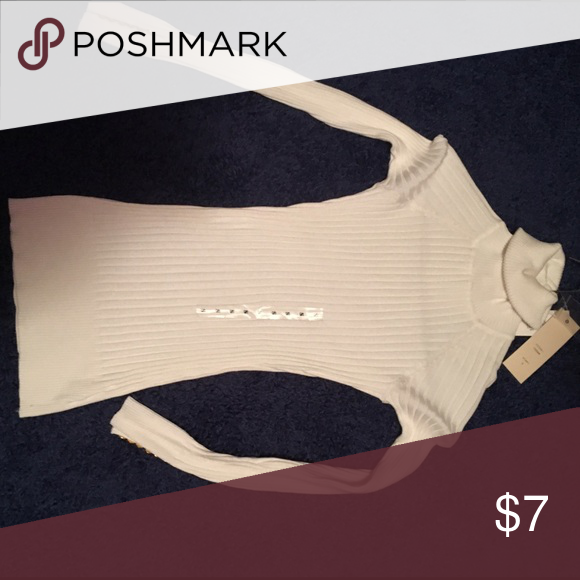 White turtleneck sweater White turtleneck sweater. Fitted, size small. Make offer! Sweaters Cowl & Turtlenecks