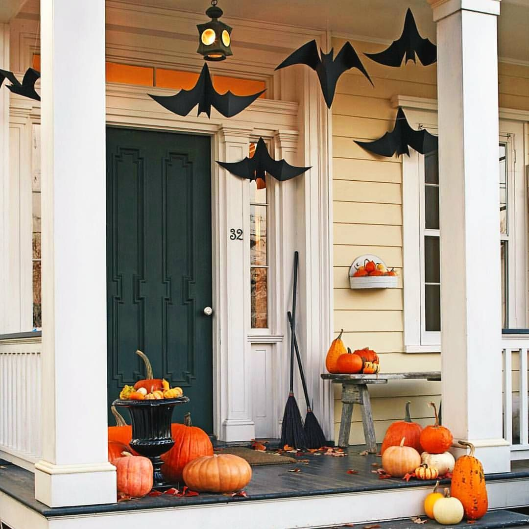 See this Instagram photo by @happyholidaes \u2022 158 likes Halloween - Pinterest Outdoor Halloween Decorations