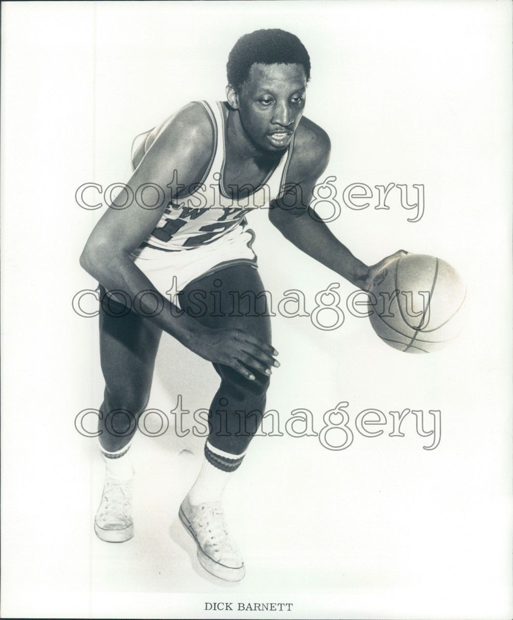 NBA New York Knicks Basketball Player Dick Barnett Press
