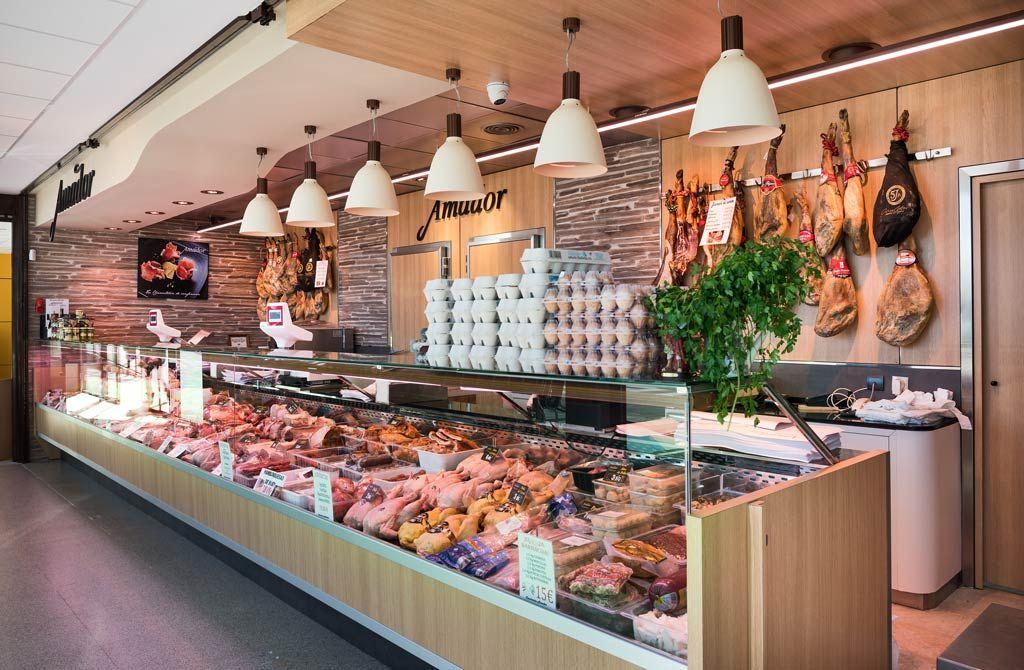 Carnicer a amador puesto de mercado ubicado en galapagar carniceria pinterest puestos - Mostradores para carniceria ...