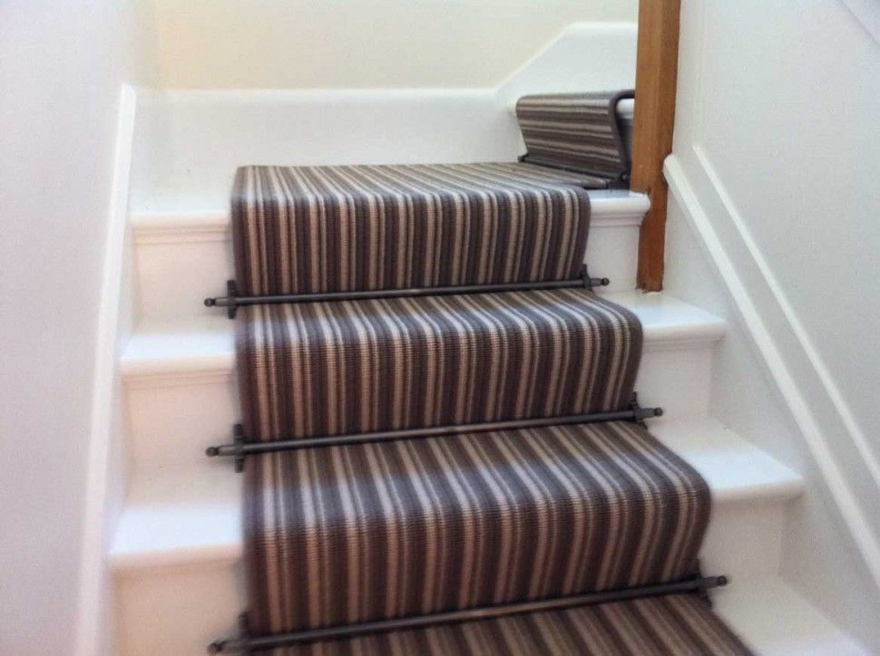 Best Home Interior The Beautiful Carpet Runner For Stairs 400 x 300