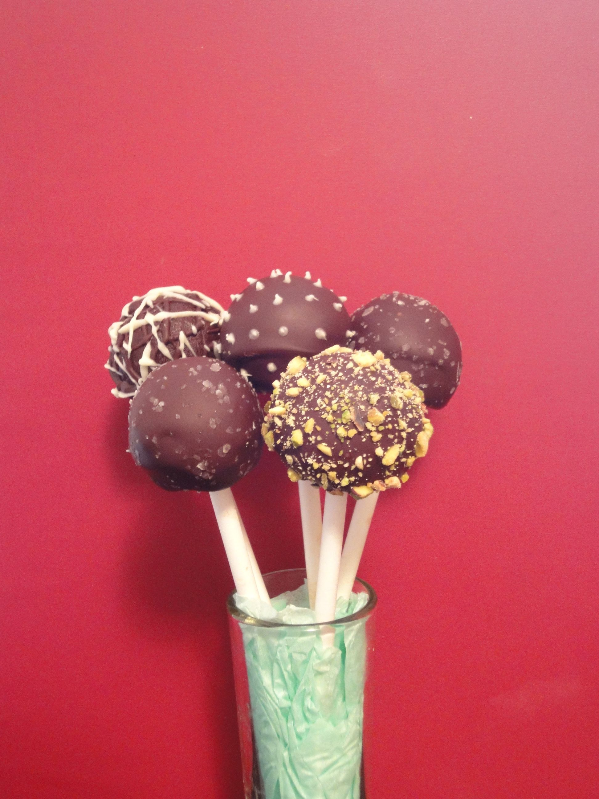 Good for you chocolate cake pops with flax seed http://thebikinibakery.com/