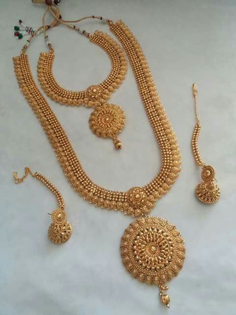 Gold neck set with earrings | Jewellery | Gold jewellery ...