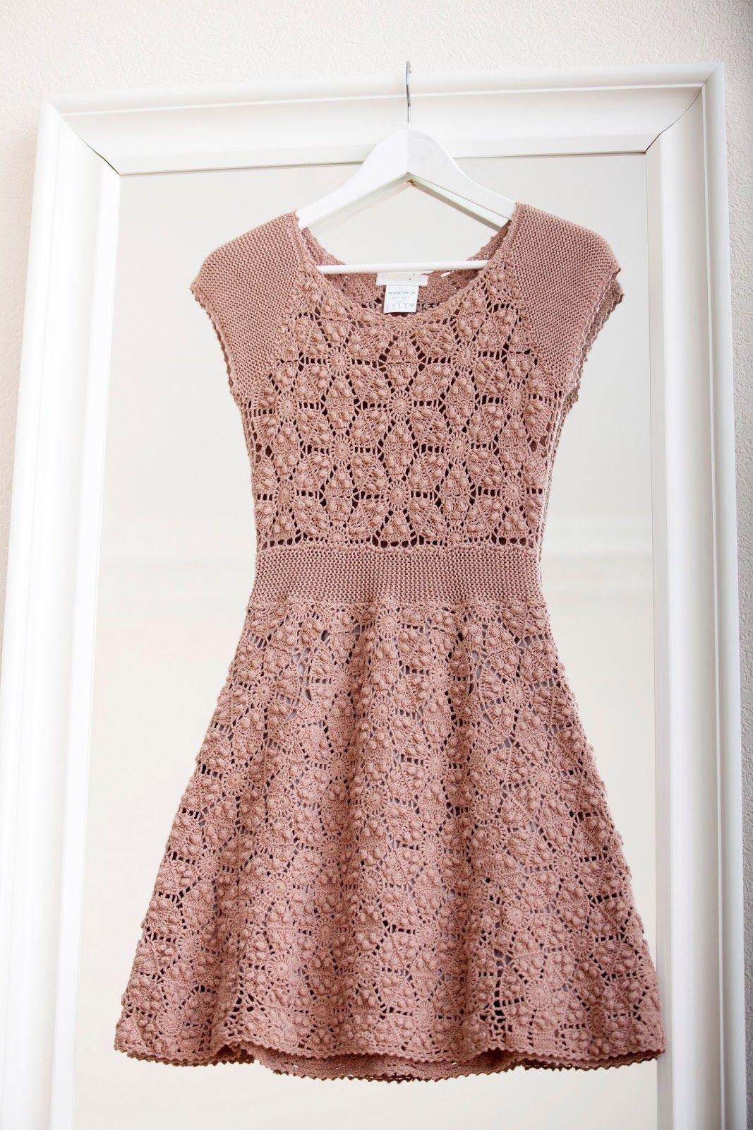 crochelinhasagulhas: Vestido rosa com square de pipoca em crochê ...