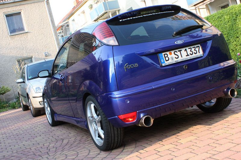 ford focus st 170 with double exhaust pipe st170 ford. Black Bedroom Furniture Sets. Home Design Ideas