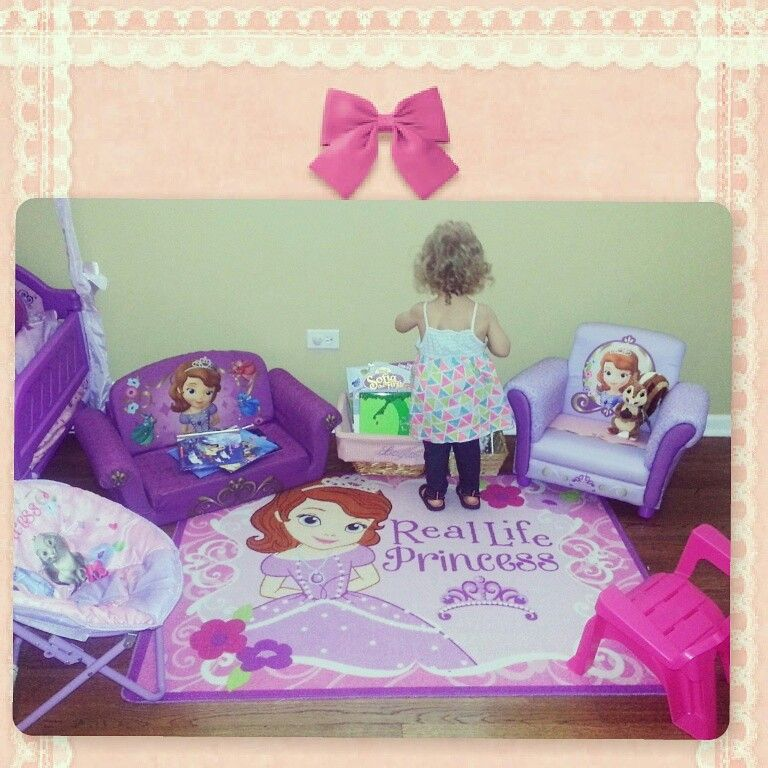 Sofia the first bedroom playroom reading and learning area | laylas ...