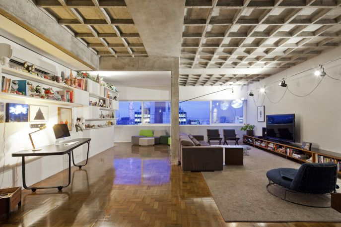 Living and Home Office by Filipe Ramos Design  Apartment situated at the top of Edifício Três Marias at the corner of Av. Paulista and R. Haddock Lobo at Jardins neighbourhood in São Paulo, Brazil.