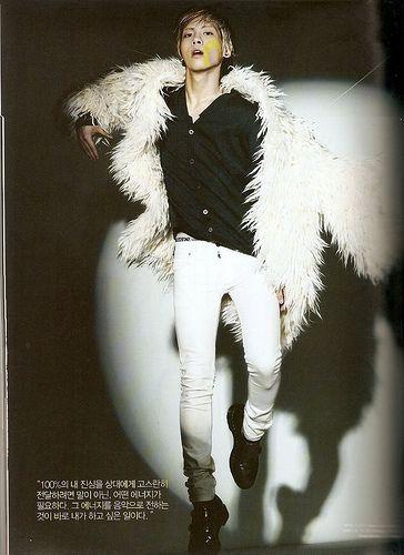 #Jonghyun in white jeans
