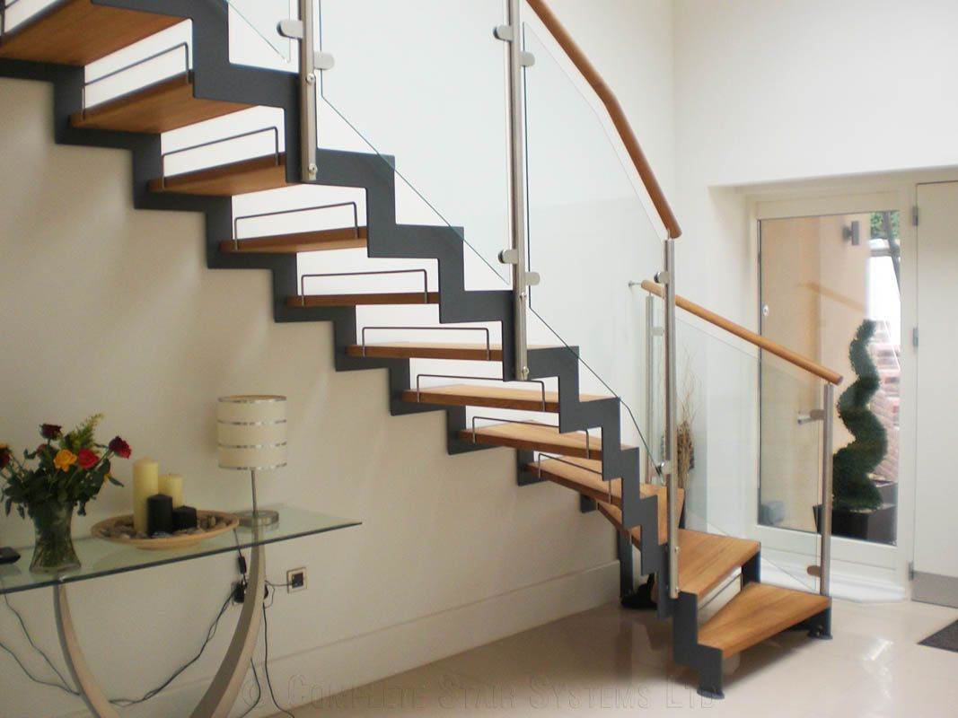 Best Zig Zag Stringer Google Search Modern Stairs Bespoke 400 x 300