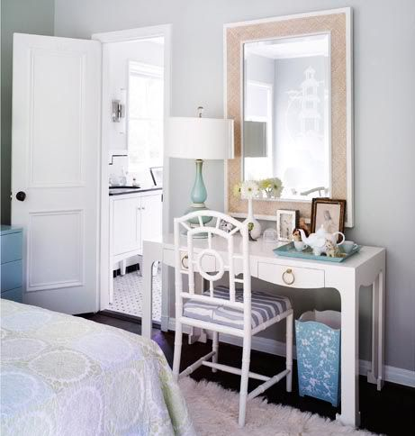 This little girl's room is ideal for my daughter. She can pin all her ideas up on the pin board, but still have a little vanity area to get ready for school or god forbid.......a date!!!