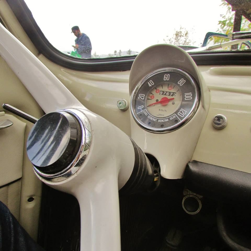 5 ways to sightsee with a vintage fiat 500 smooth. Black Bedroom Furniture Sets. Home Design Ideas