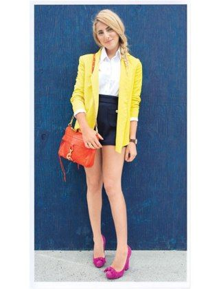 Totally love this look.  All about rockin the bare legs with the shorts and hot pink heels.