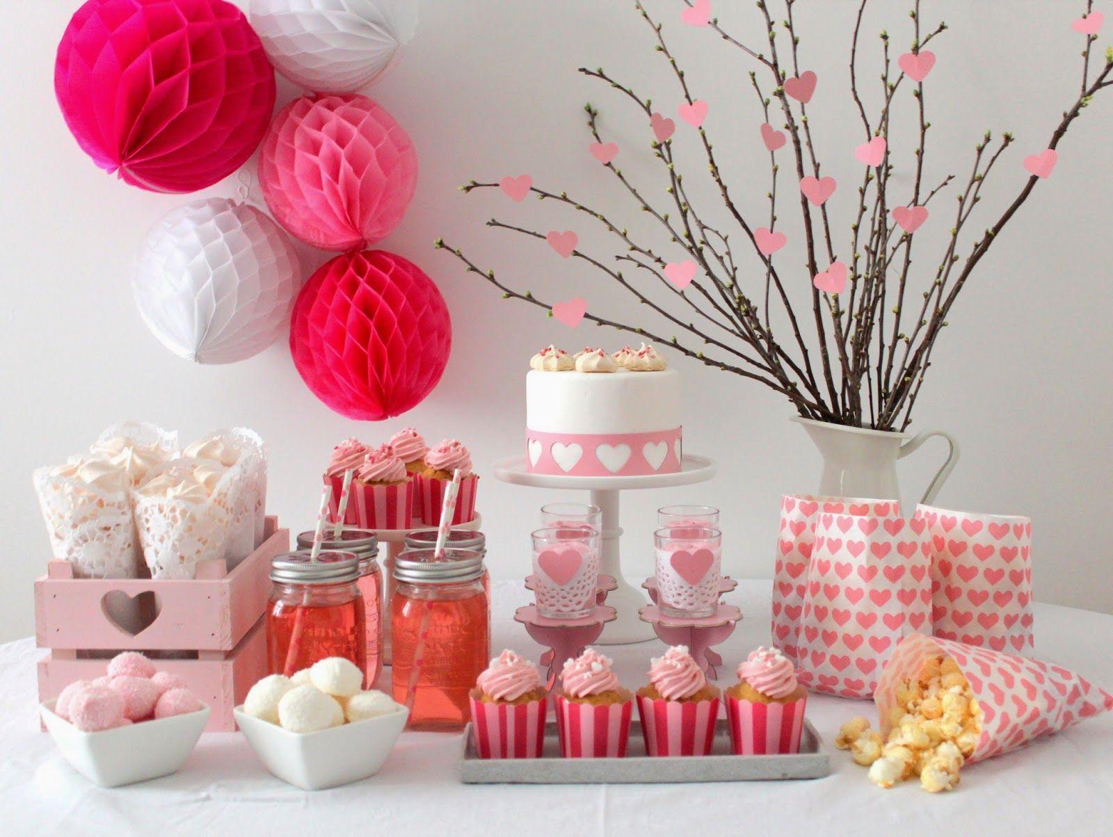 Valentinstag Sweet Table Deko Cupcakes Meringue Valentinstag