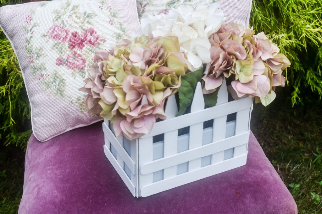 Diy white picket fence planter box zucchini sisters in