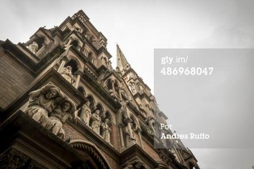 Iglesia de los Capuchinos - Sacret Parroquia Corazón de Jesús, esta es la gran tample ubicado en la intersección de Buenos Aires y Obispo Oro, en el Barrio de Nueva Córdoba, Ciudad de Córdoba, Argentina