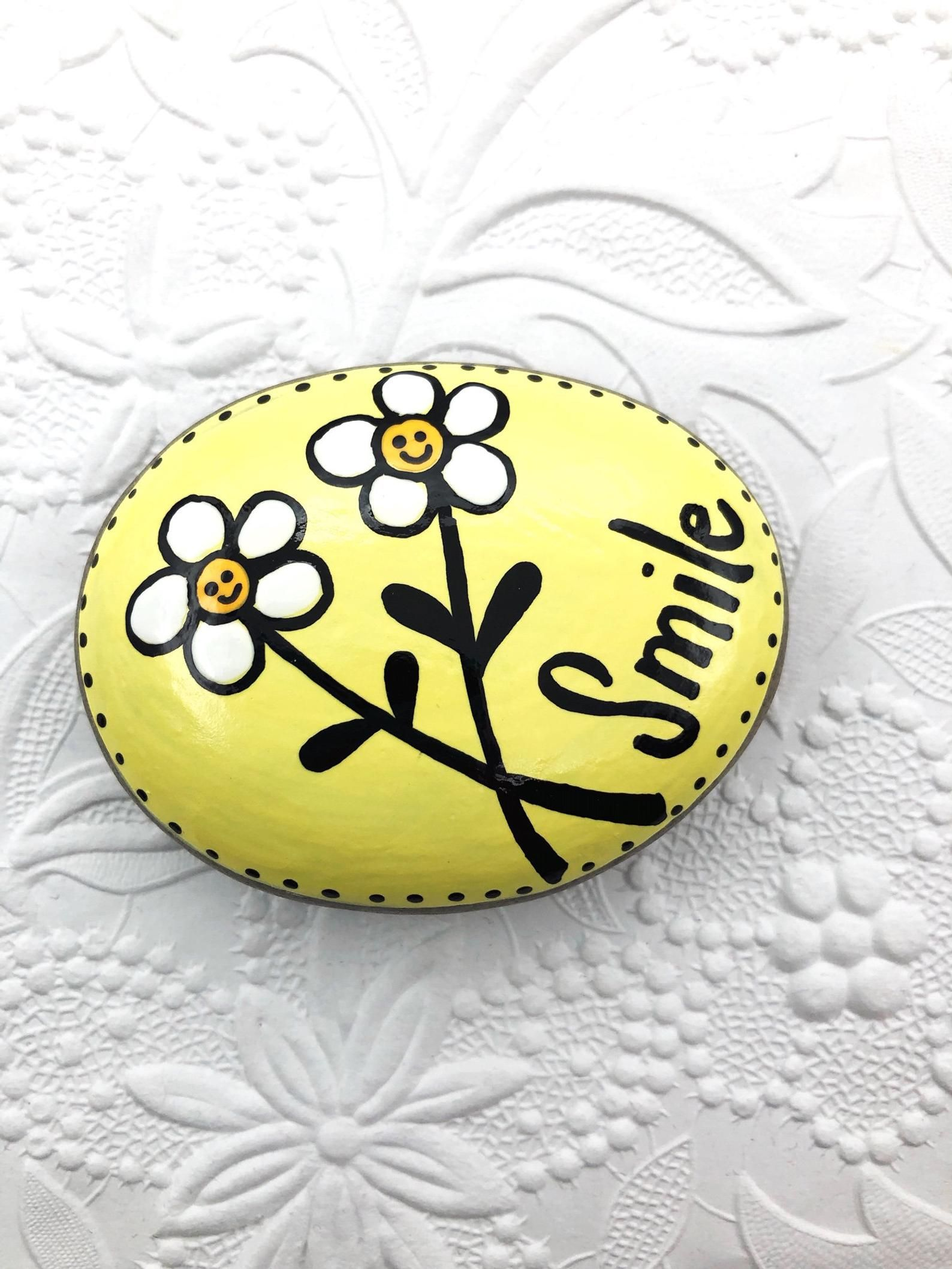 Smile Painted Rock, Daisies Painted Stone, Encouragement Rock, Smile Affirmation Stone, Smiling Daisies, stocking stuffer