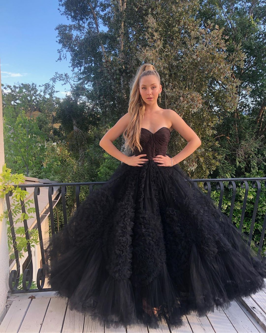 Luna Montana On Instagram Prom Prom Prom Prom Dresses Homecoming Dresses Tight Gowns [ 1350 x 1080 Pixel ]