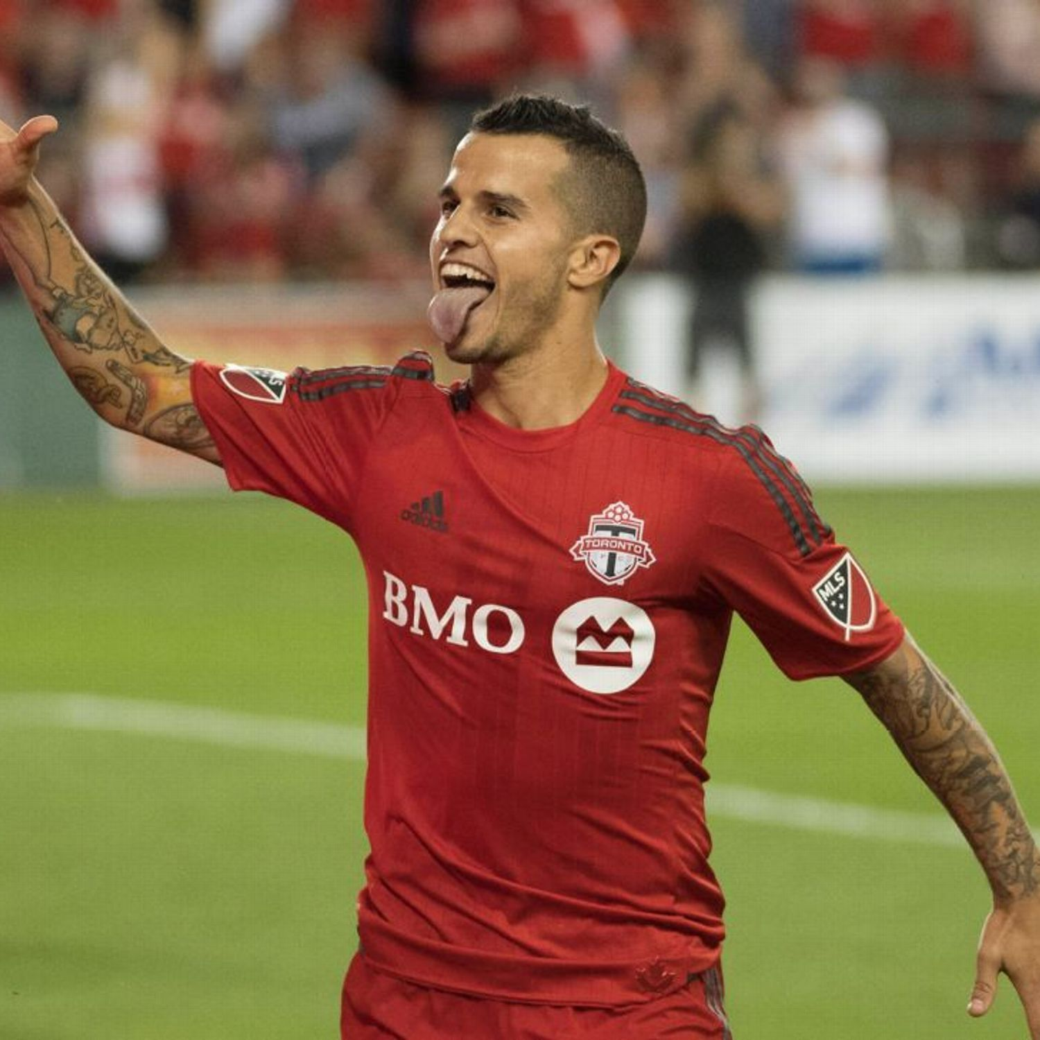Toronto Fc Forward Sebastian Giovinco Out For A Month With Double Strain What S Crackin Toronto Fc Major League Soccer Mls Cup