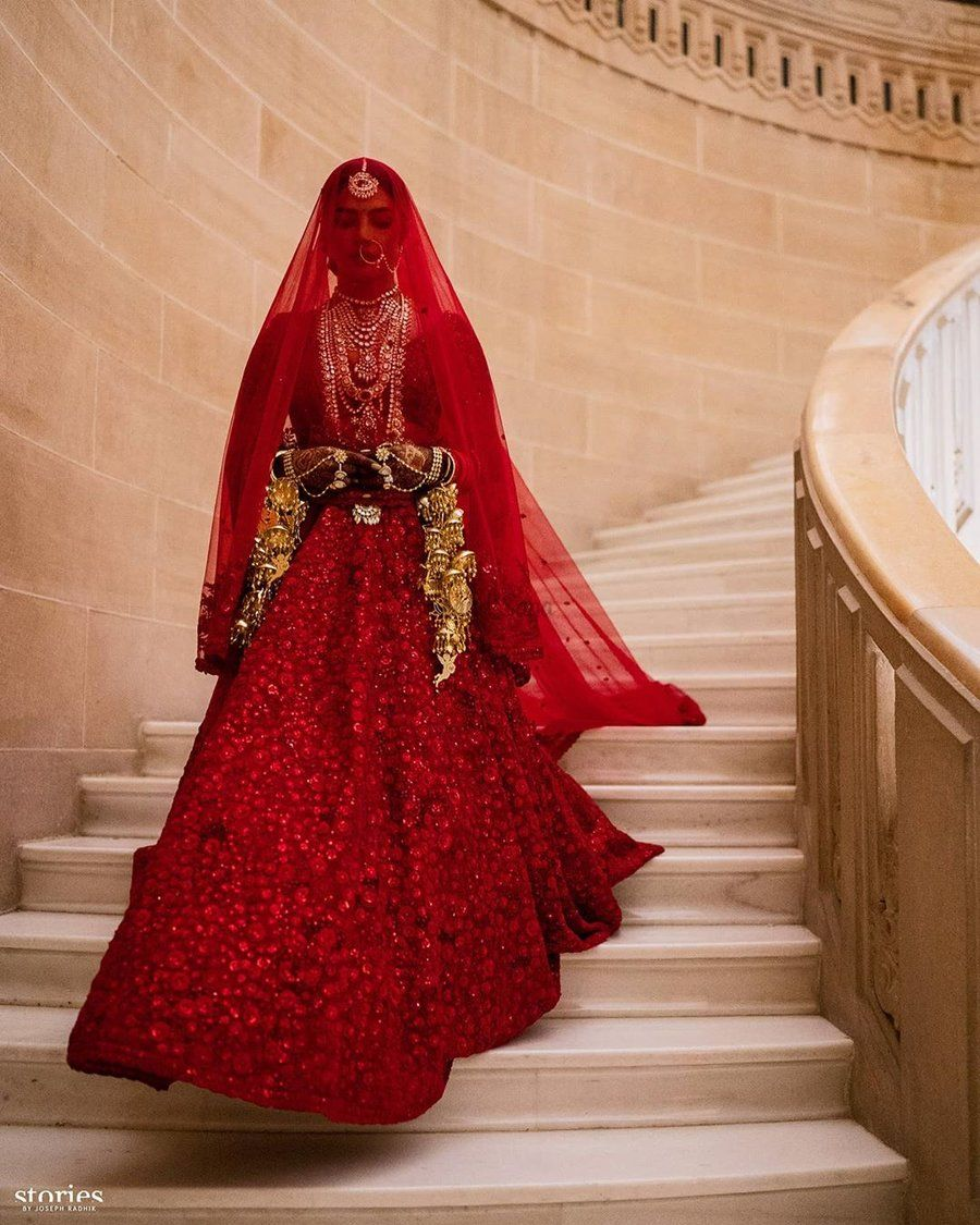How To Integrate Red Colour In Your Wedding Ssgoescolourful Bridal Lehenga Red Bridal Outfits Indian Bridal Outfits [ 1125 x 900 Pixel ]