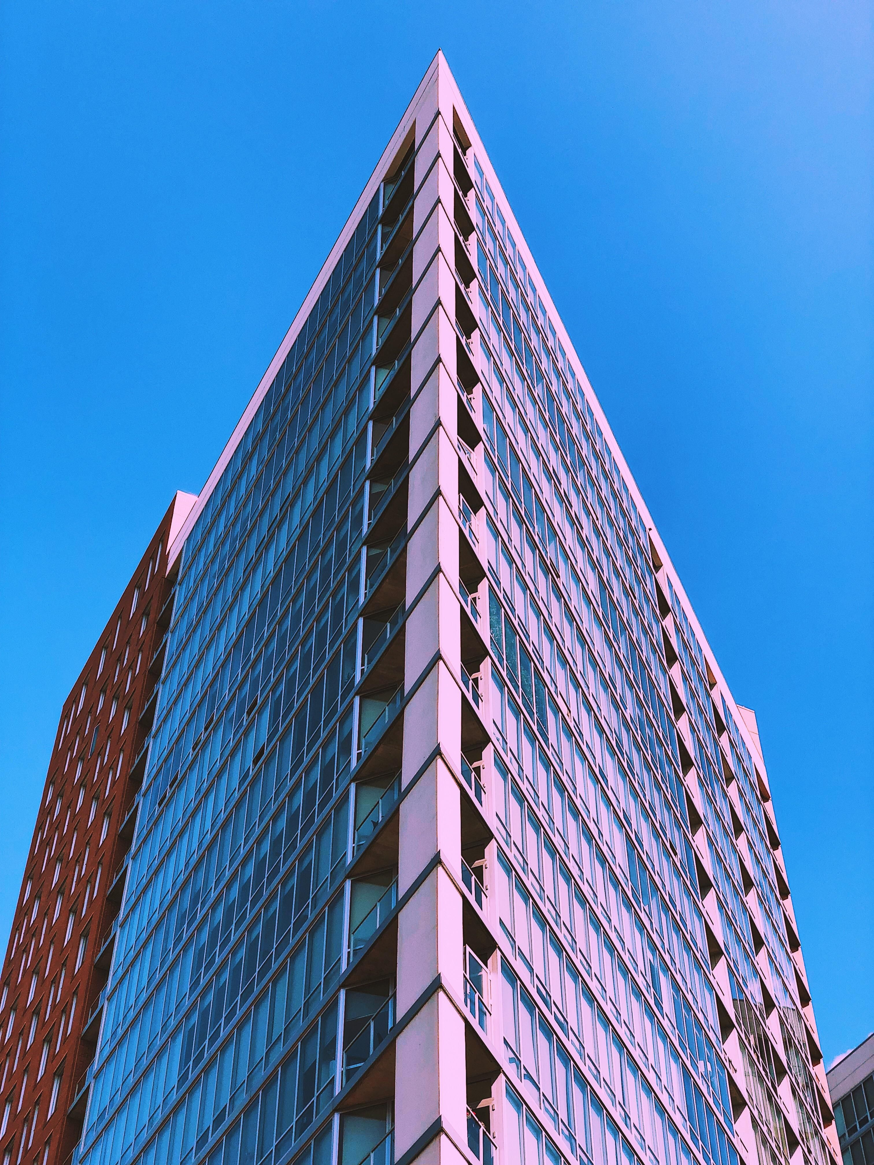 Architecture Oc Apartment Building In Milwaukee Wi 3024 X 4032 Apartment Building Building Architecture
