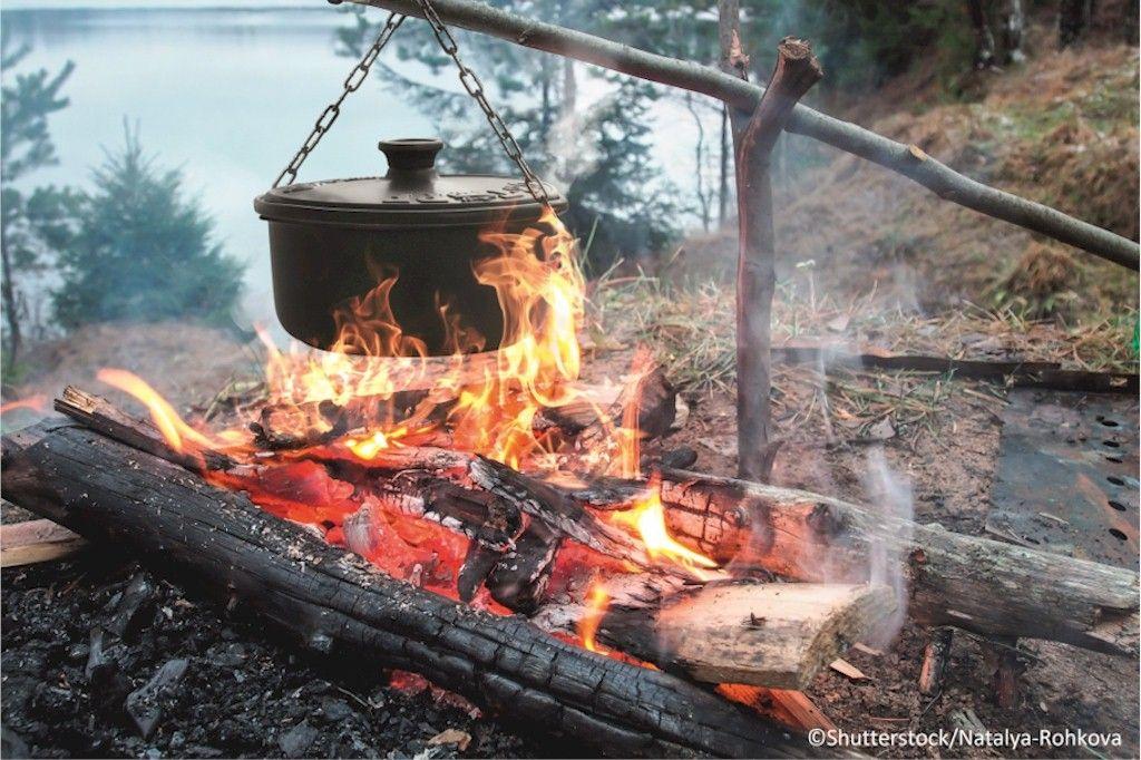 Multi Grillset Oslo 4 In 1 Dreibein Grill Mit Topf Grill Set Gulaschkessel Feuerstelle Grill
