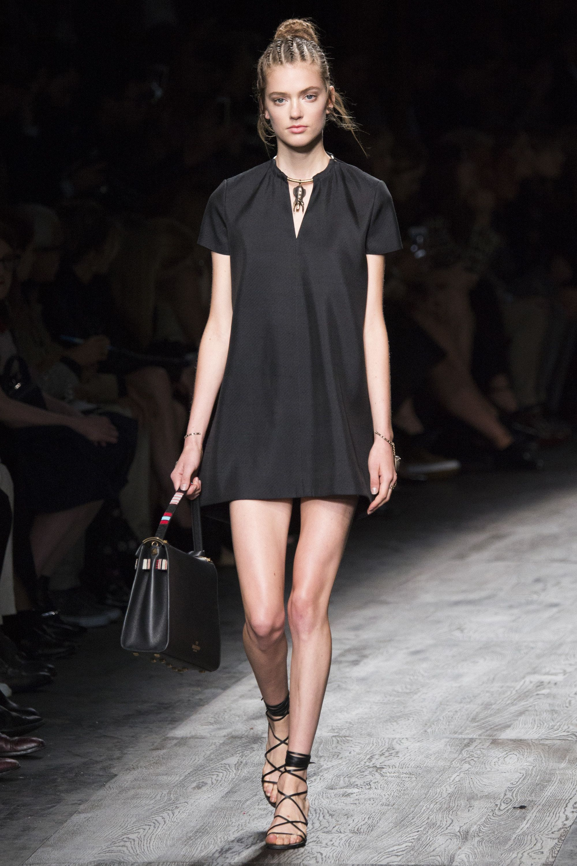 Valentino Spring 2016 Ready-to-Wear Fashion Show - Emmy Rappe